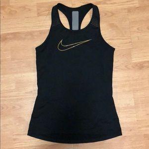 Nike racerback workout tank top hypercool small